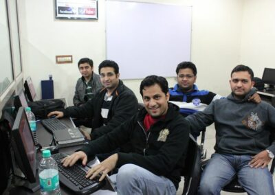Network Nuts Linux Corporate Training.
